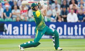 Bizarre Roy dismissal turns 2nd T20 South Africa's way