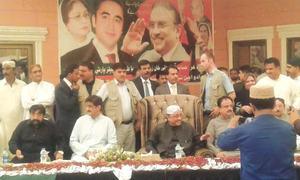 Zardari vows to continue struggle for democracy