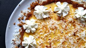 2 delicious mango recipes to satisfy your sweet tooth