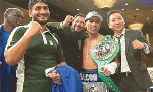 Waseem 'Falcon Khan' knocks out Valdes to remain on top