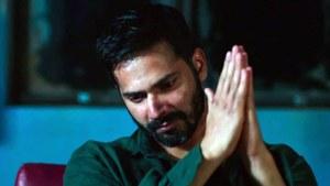 Varun Dhawan tweets apology after taking a dig at Kangana at this year's IIFA Awards