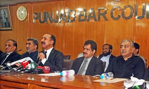 Lawyers top body wants Sharif to step down