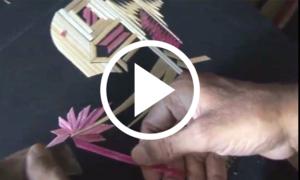 گندم کے تنکوں سے تصاویر بنانے کا ماہر دستکار