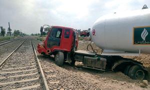 Tanker accident disrupts rail traffic