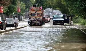 Rain disrupts power supply, floods roads in Peshawar