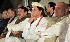 Imran sees conspiracy against army, SC