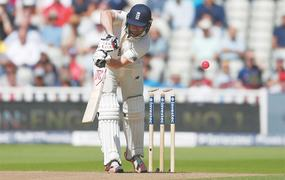 Cook, Root lead recovery in England's first floodlit Test