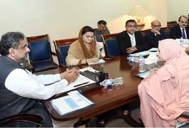 PM orders health ministry to resolve drugs-related issues