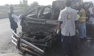 14 passengers burnt to death after van catches fire in accident near Rawalpindi