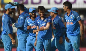 India clinch series against Australia to take top ODI spot