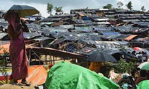 Sri Lankan Buddhist monks attack Rohingya refugee houses