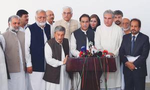 Govt agrees to restore Khatm-i-Nabuwwat declaration amid uproar