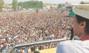 Imran warns of agitation if Sharif escapes accountability