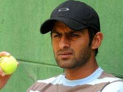 Malik urges Pakistan to trust in youth on eve of second ODI