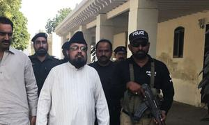Qandeel murder case: Mufti Qavi apprehended, arrested on the way to Jhang