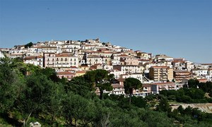 رہائش کیلئے لاکھوں روپے دینے والا اطالوی قصبہ