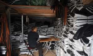 Beijing garment industry resists lockdown