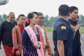 Suu Kyi makes first visit to crisis-hit Rakhine as pressure mounts to halt army crackdown