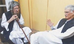 KP CM Khattak, ex-ISI officer meet Maulana Sami