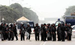 Islamabad protesters defiant as showdown looms