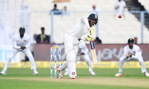 India manage 172 on support by lower order