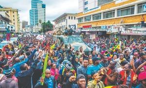 Party set to sack Mugabe as Zimbabweans march on residence