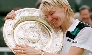 1998 Wimbledon champion Jana Novotna dies at 49