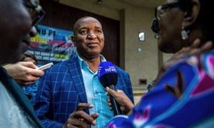 زمبابوے:حکمراں جماعت کا رابرٹ موگابے کے 'مواخذے' کے آغاز کا فیصلہ