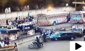 کراچی ٹریفک حادثے کی سی سی ٹی وی فوٹیج