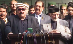 Sheikh Rashid joins list of leaders supporting Dr Qadri's demands on Model Town incident