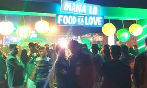 Peshawar kicks off winter with a food and music festival