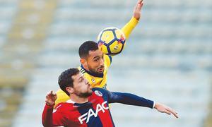 Milan crisis deepens, Juve go second