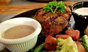 Meat The Cheese will make you forget your current favourite steak in Karachi
