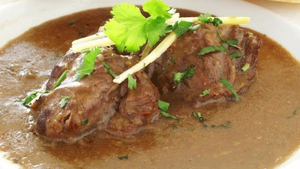 This hearty beef nihari recipe is finger-lickin' good