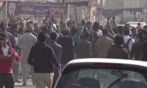 قصور:کمسن بچی کے مبینہ ریپ، قتل پر احتجاج، توڑ پھوڑ