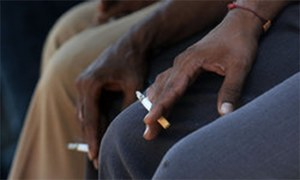 Censor board, ministry agree to air anti-smoking messages before movies