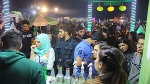 7Up served flavoured drinks at Karachi Eat Festival, and we secretly want more