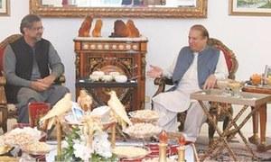 Abbasi meets Sharifs, discusses PAT protest