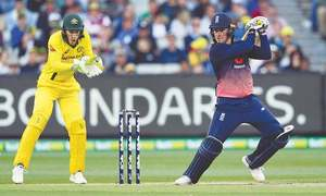 England subdue Aussies comfortably to make it 2-0