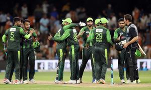 نیوزی لینڈ سے ٹی 20 سیریز جیتنے کے بعد پاکستان کا جشن