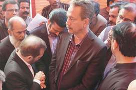 Rift in MQM-P widens as two groups cling to their stands