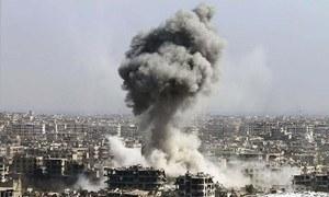 Syria regime strikes rebel enclave as aid trucks wait