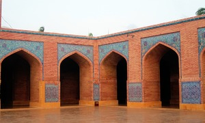Plan afoot to renovate 17th century Shahjahan Masjid in Thatta, PA told