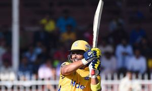 Kamran Ak-mauls bowlers in Peshawar Zalmi's 44-run win over Karachi Kings