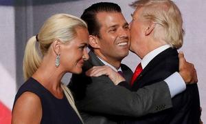 'مجھے طلاق چاہیے':ڈونلڈ ٹرمپ کی بہو کا عدالت سے رجوع