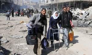 مشرقی غوطہ میں مزید 37 ہلاکتیں، شہریوں کا انخلا جاری