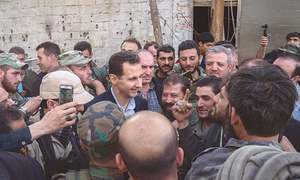 Assad visits troops on Ghouta's frontline