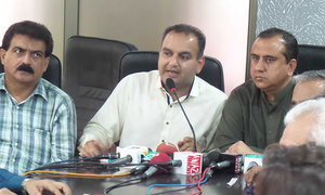 Two minority MNAs quit PML-N