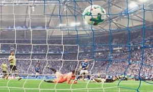Naldo screamer seals Schalke win over Dortmund