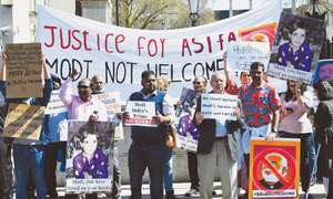 Hundreds of protesters confront Modi in London